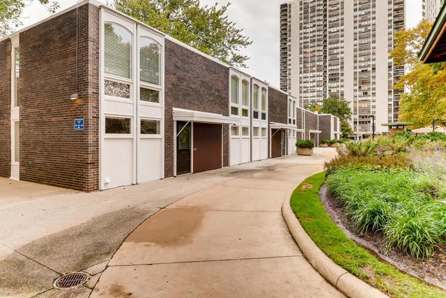 1406 N Sandburg Terrace, Chicago, IL 60610 (MLS #10113084) :: Leigh Marcus   @properties