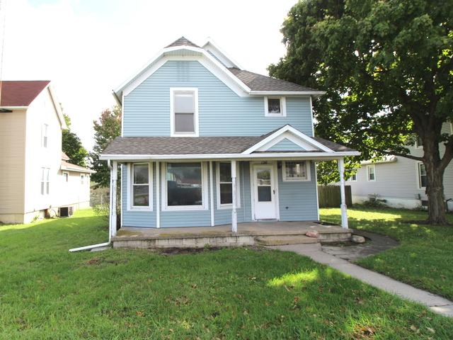 126 N Oak Street, Chebanse, IL 60922 (MLS #10113411) :: The Dena Furlow Team - Keller Williams Realty
