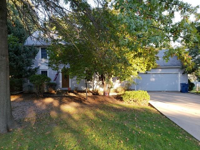 1724 Hillcrest Drive, Sterling, IL 61081 (MLS #10114172) :: The Dena Furlow Team - Keller Williams Realty
