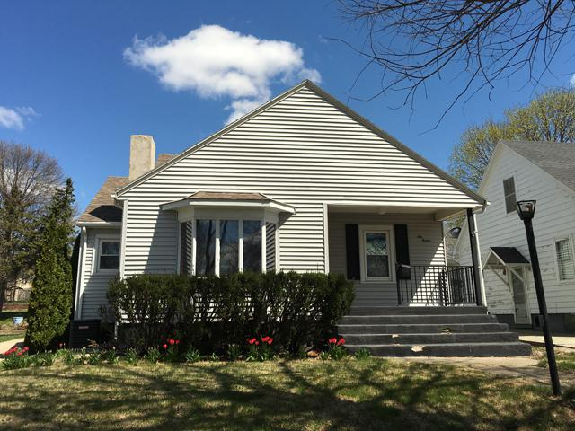 612 W St Paul Street, Spring Valley, IL 61362 (MLS #10114420) :: Leigh Marcus | @properties