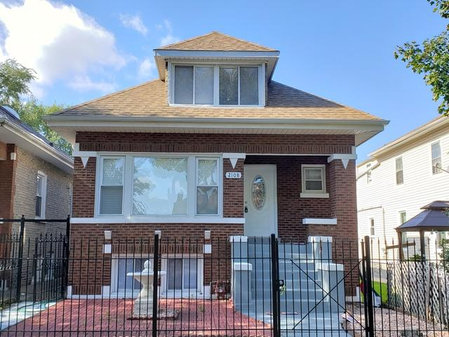 2108 N Tripp Avenue, Chicago, IL 60639 (MLS #10114497) :: The Dena Furlow Team - Keller Williams Realty