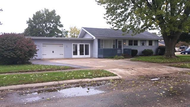 903 N Crest Court, Byron, IL 61010 (MLS #10114728) :: Leigh Marcus | @properties