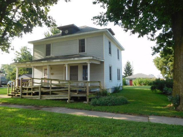 114 E North Street, SEYMOUR, IL 61875 (MLS #10114867) :: The Dena Furlow Team - Keller Williams Realty
