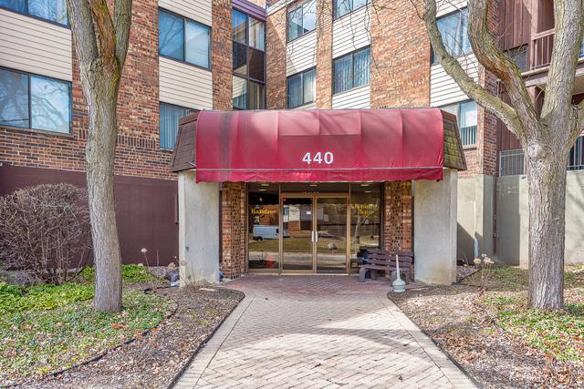 440 Raintree Court 2A, Glen Ellyn, IL 60137 (MLS #10114928) :: The Wexler Group at Keller Williams Preferred Realty