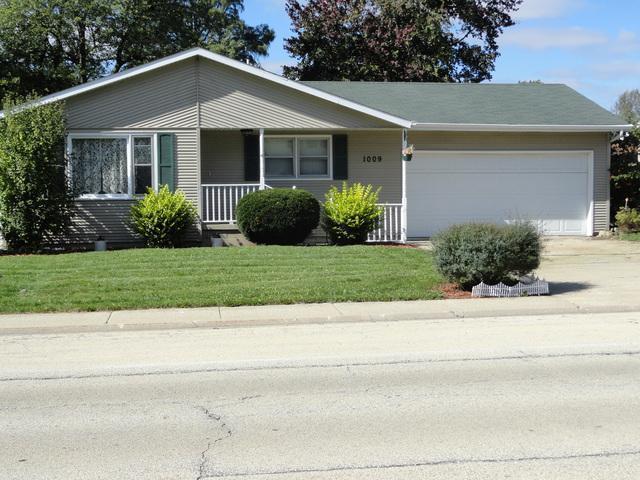 1009 Cardinal Drive, Bradley, IL 60915 (MLS #10115032) :: Domain Realty