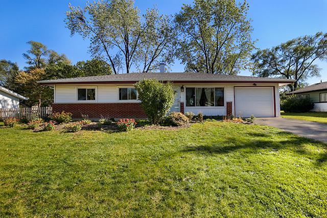 415 Westview Street, Hoffman Estates, IL 60194 (MLS #10116103) :: The Dena Furlow Team - Keller Williams Realty