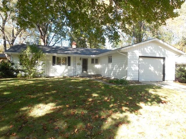 219 W Hillcrest Drive, Dekalb, IL 60115 (MLS #10116629) :: The Dena Furlow Team - Keller Williams Realty