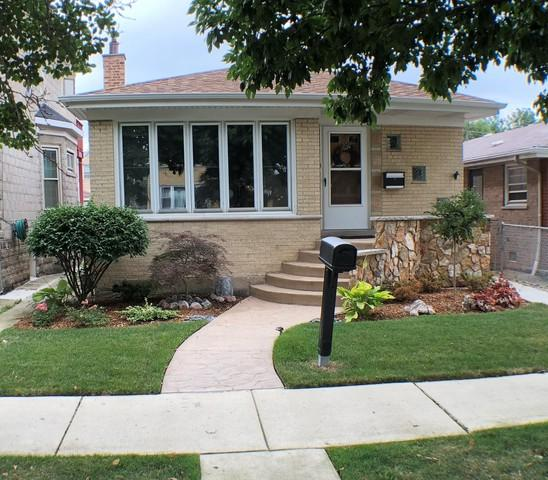 5655 W 63rd Place, Chicago, IL 60638 (MLS #10116848) :: The Dena Furlow Team - Keller Williams Realty