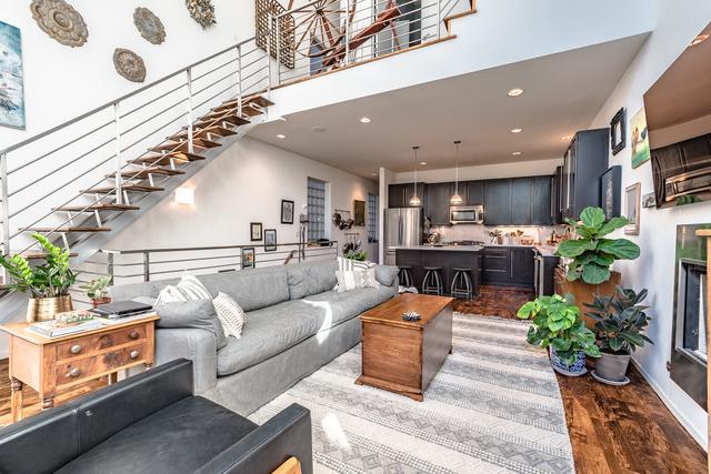 1720 W Lemoyne Street #201, Chicago, IL 60622 (MLS #10116913) :: Property Consultants Realty