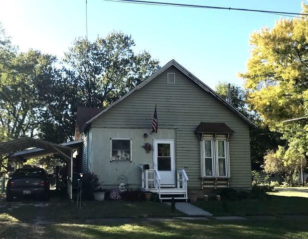 701 S Macon Street, BEMENT, IL 61813 (MLS #10118034) :: The Dena Furlow Team - Keller Williams Realty