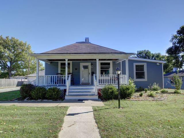 305 S Main Street, Mansfield, IL 61854 (MLS #10118831) :: The Dena Furlow Team - Keller Williams Realty