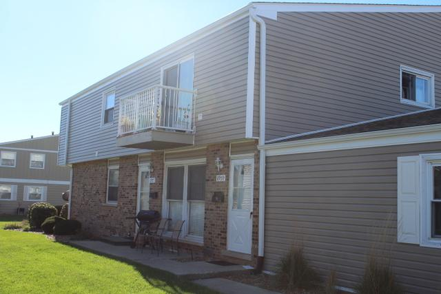 7959 164th Place #2, Tinley Park, IL 60477 (MLS #10119031) :: Baz Realty Network | Keller Williams Preferred Realty