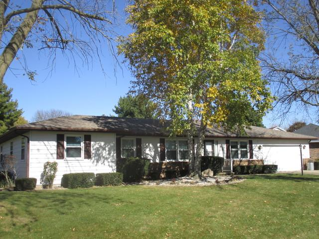 12 Prairieview Avenue, Tuscola, IL 61953 (MLS #10119704) :: Ryan Dallas Real Estate