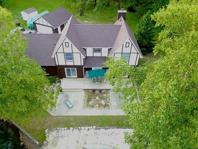 360 Bobby Lane, Braidwood, IL 60408 (MLS #10120148) :: Ani Real Estate