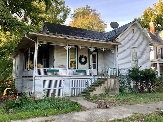 204 W Green Street, NEWMAN, IL 61942 (MLS #10120394) :: Domain Realty