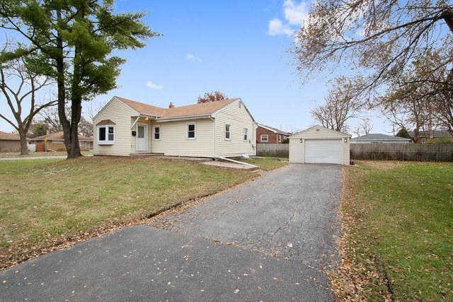 300 S Iowa Avenue, Addison, IL 60101 (MLS #10120442) :: Domain Realty