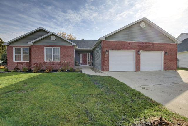 221 Maris Cove Drive, Tuscola, IL 61953 (MLS #10121275) :: Ryan Dallas Real Estate
