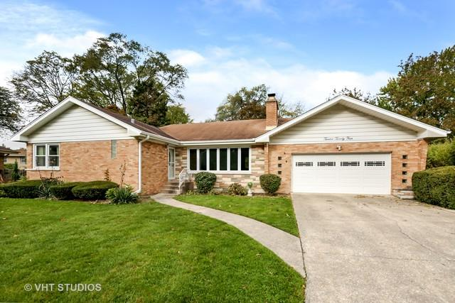 1224 Robinhood Lane, La Grange Park, IL 60526 (MLS #10121428) :: The Dena Furlow Team - Keller Williams Realty