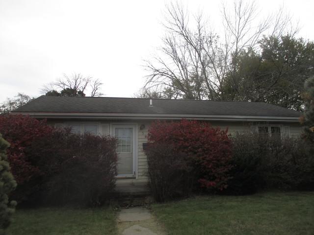 503 S Sycamore Street, VILLA GROVE, IL 61956 (MLS #10121656) :: Ryan Dallas Real Estate