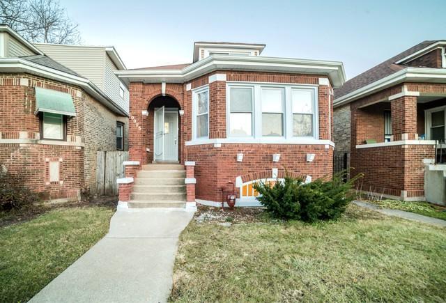 10005 S Wentworth Avenue, Chicago, IL 60628 (MLS #10121855) :: The Mattz Mega Group