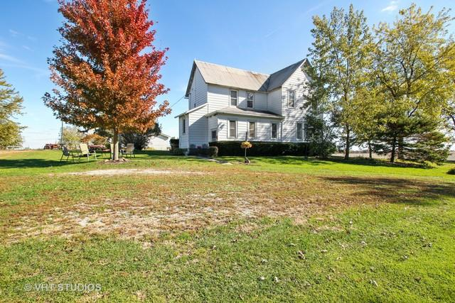 11705 N 16000E Road, Grant Park, IL 60940 (MLS #10123313) :: Domain Realty