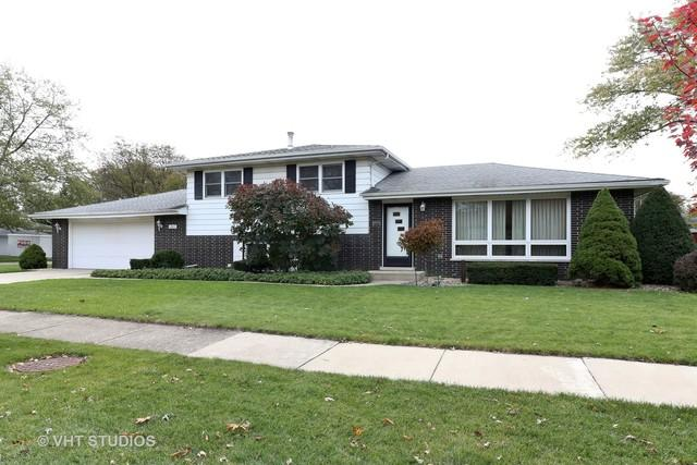 8525 W 145th Street, Orland Park, IL 60462 (MLS #10123495) :: Baz Realty Network | Keller Williams Preferred Realty