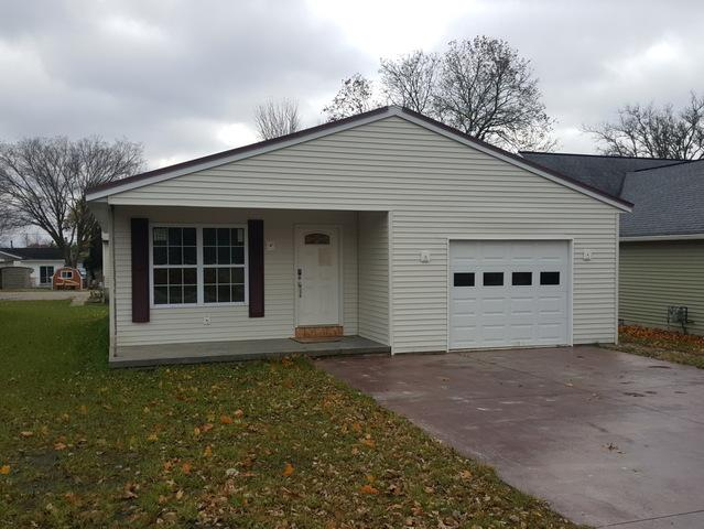 322 E Bogardus Street, Paxton, IL 60957 (MLS #10124329) :: Ryan Dallas Real Estate