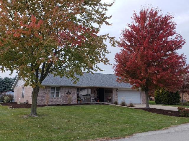 440 N 4th Street, Cissna Park, IL 60924 (MLS #10124698) :: Baz Realty Network | Keller Williams Preferred Realty
