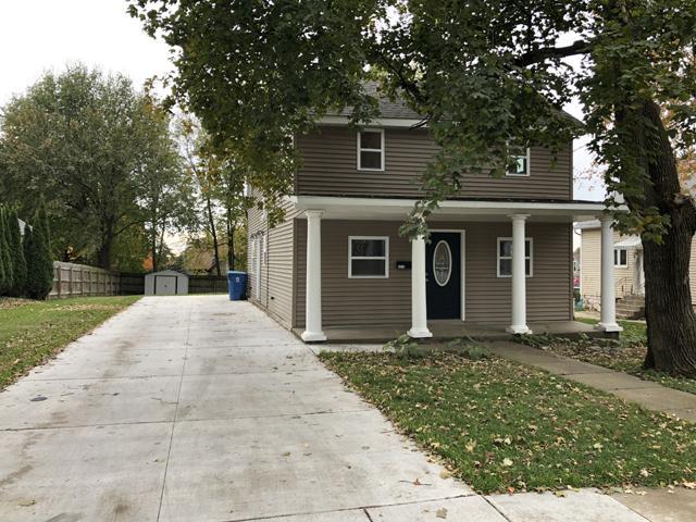 2210 2nd Street, Peru, IL 61354 (MLS #10124780) :: Ani Real Estate