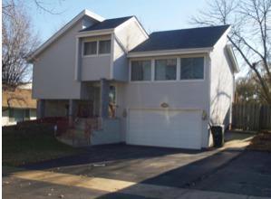 3307 Fountainbleau Drive, Hazel Crest, IL 60429 (MLS #10124914) :: Ani Real Estate