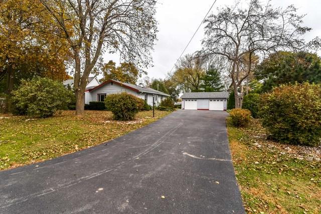 929 Monroe Avenue, Winthrop Harbor, IL 60096 (MLS #10125343) :: Domain Realty