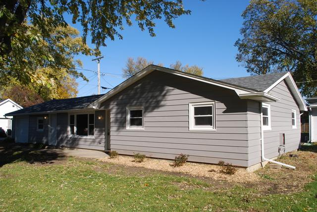 307 N First Street, Peotone, IL 60468 (MLS #10125411) :: Ani Real Estate