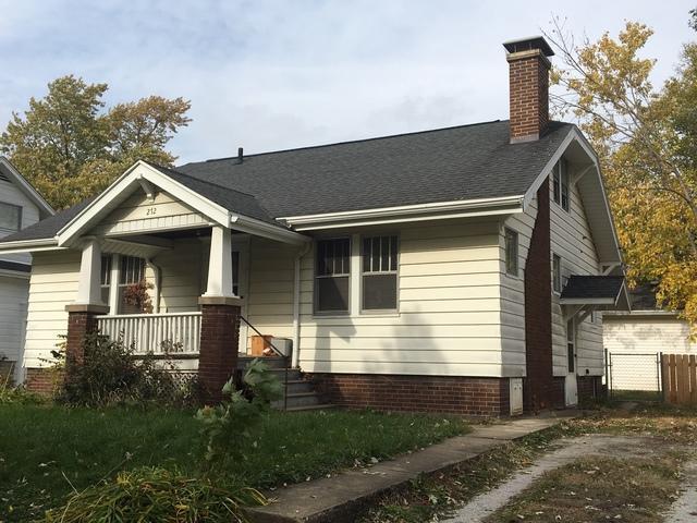 212 W Stanage Avenue, Champaign, IL 61820 (MLS #10125688) :: The Dena Furlow Team - Keller Williams Realty
