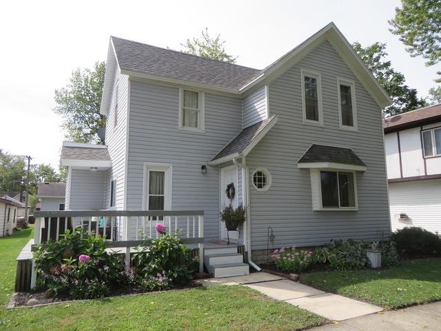 340 W Grant Street, St. Anne, IL 60964 (MLS #10126006) :: Ani Real Estate