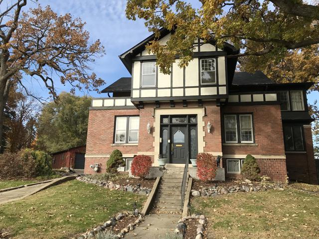 1821 2nd Street, Peru, IL 61354 (MLS #10126636) :: Ani Real Estate