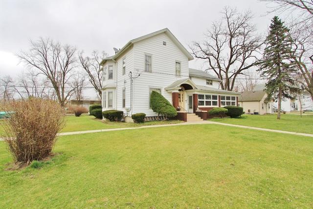 324 Oak Street, Braidwood, IL 60408 (MLS #10126944) :: Ani Real Estate