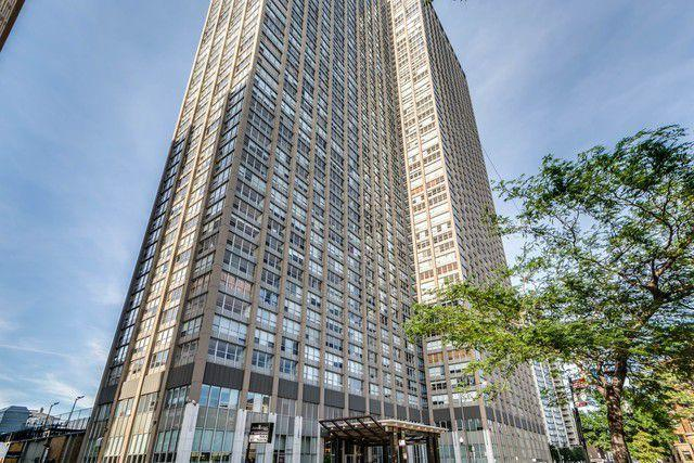 655 W Irving Park Road #3605, Chicago, IL 60613 (MLS #10127619) :: Baz Realty Network | Keller Williams Preferred Realty
