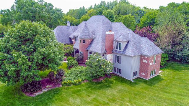 38W573 Barb Hill Drive, St. Charles, IL 60175 (MLS #10128291) :: Berkshire Hathaway HomeServices Snyder Real Estate