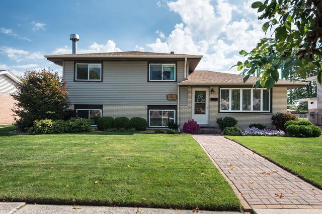 10409 Leslie Lane, Chicago Ridge, IL 60415 (MLS #10128331) :: Domain Realty