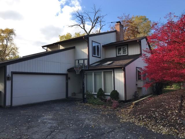 176 W Frontage Road, Northfield, IL 60093 (MLS #10128673) :: Helen Oliveri Real Estate