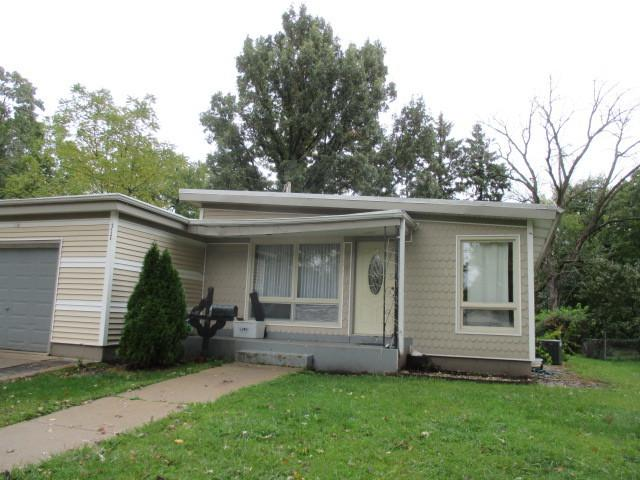 317 Vine Street, West Chicago, IL 60185 (MLS #10129286) :: Leigh Marcus   @properties