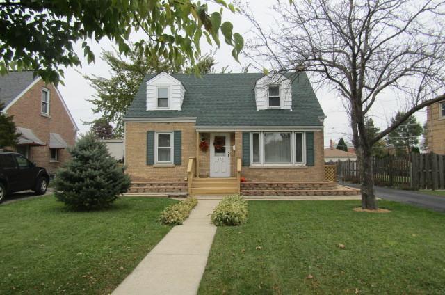 123 N Center Street, Bensenville, IL 60106 (MLS #10129544) :: Ani Real Estate