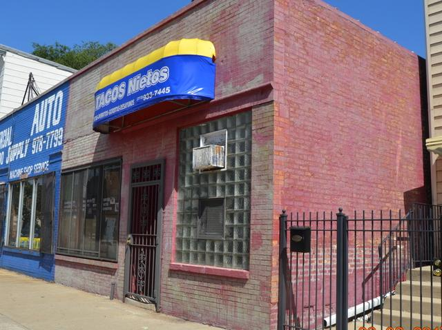 9541 Commercial Avenue, Chicago, IL 60617 (MLS #10129941) :: Leigh Marcus | @properties