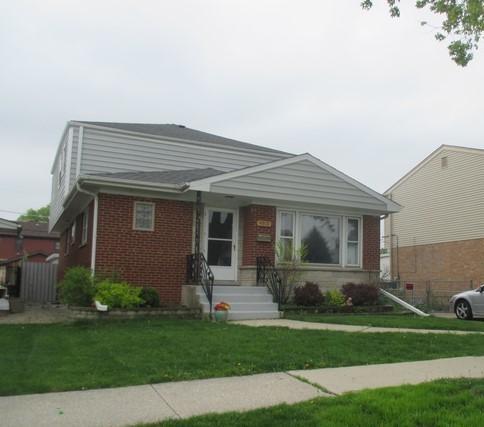 4913 Michigan Avenue, Schiller Park, IL 60176 (MLS #10130494) :: Leigh Marcus | @properties