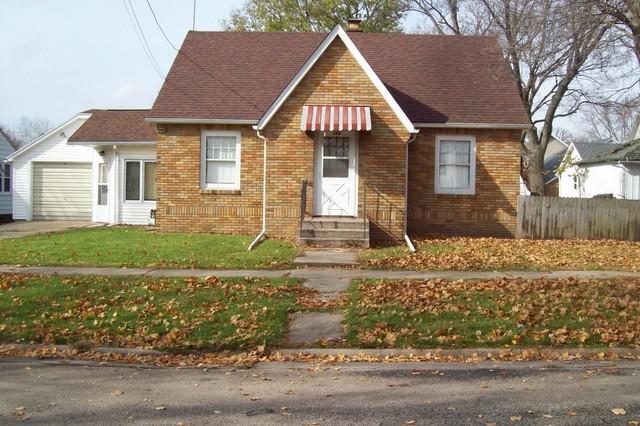 503 S Madison Street, Morrison, IL 61270 (MLS #10130603) :: Ani Real Estate
