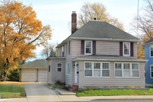 812 N 4th Street, Dekalb, IL 60115 (MLS #10130744) :: Domain Realty