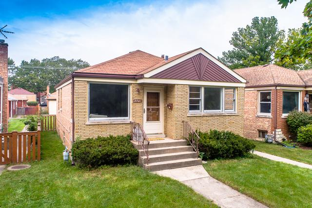 8940 W Forestview Avenue, North Riverside, IL 60546 (MLS #10130761) :: Domain Realty