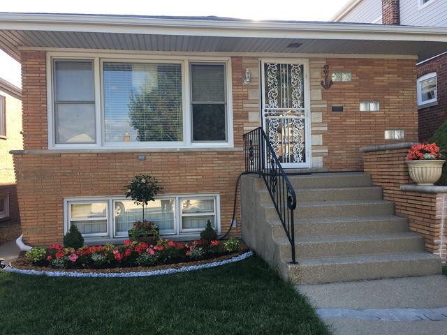 6640 S Kilpatrick Avenue, Chicago, IL 60629 (MLS #10130917) :: Domain Realty