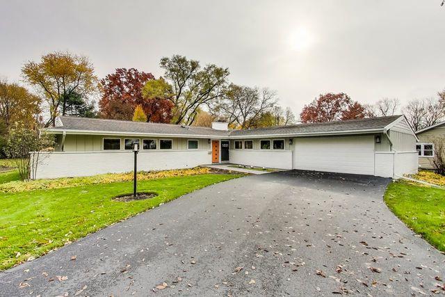 1031 Warrenville Road, Wheaton, IL 60189 (MLS #10131973) :: Domain Realty