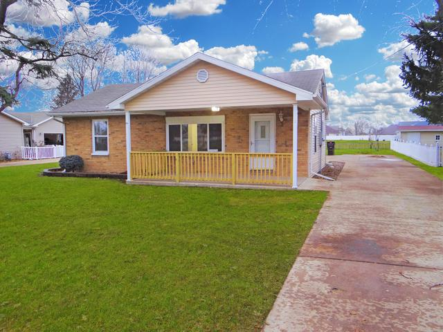 406 W Grove Avenue, Rantoul, IL 61866 (MLS #10133454) :: Leigh Marcus | @properties
